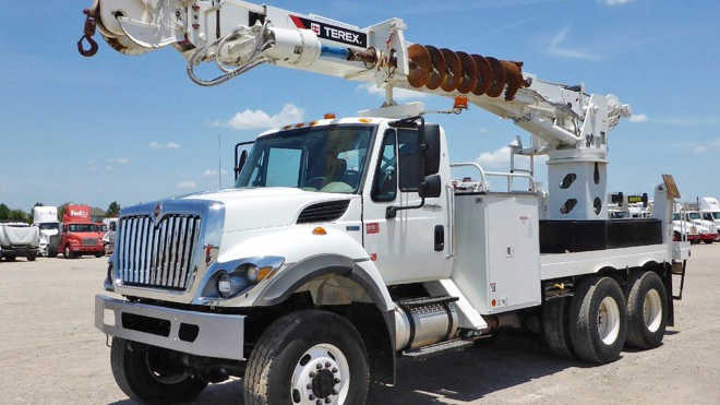 Used Bucket Trucks For Sale >> New And Used Bucket Digger Derrick Trucks For Sale